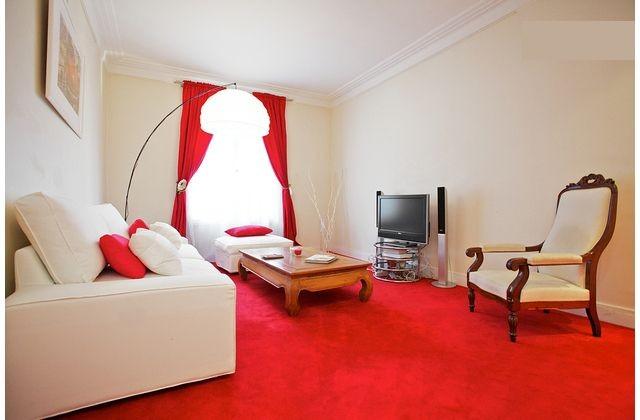 2-bedrooms-rent-macquarie-street-dc2a2ff0275239b8dfdf762d4b98f923