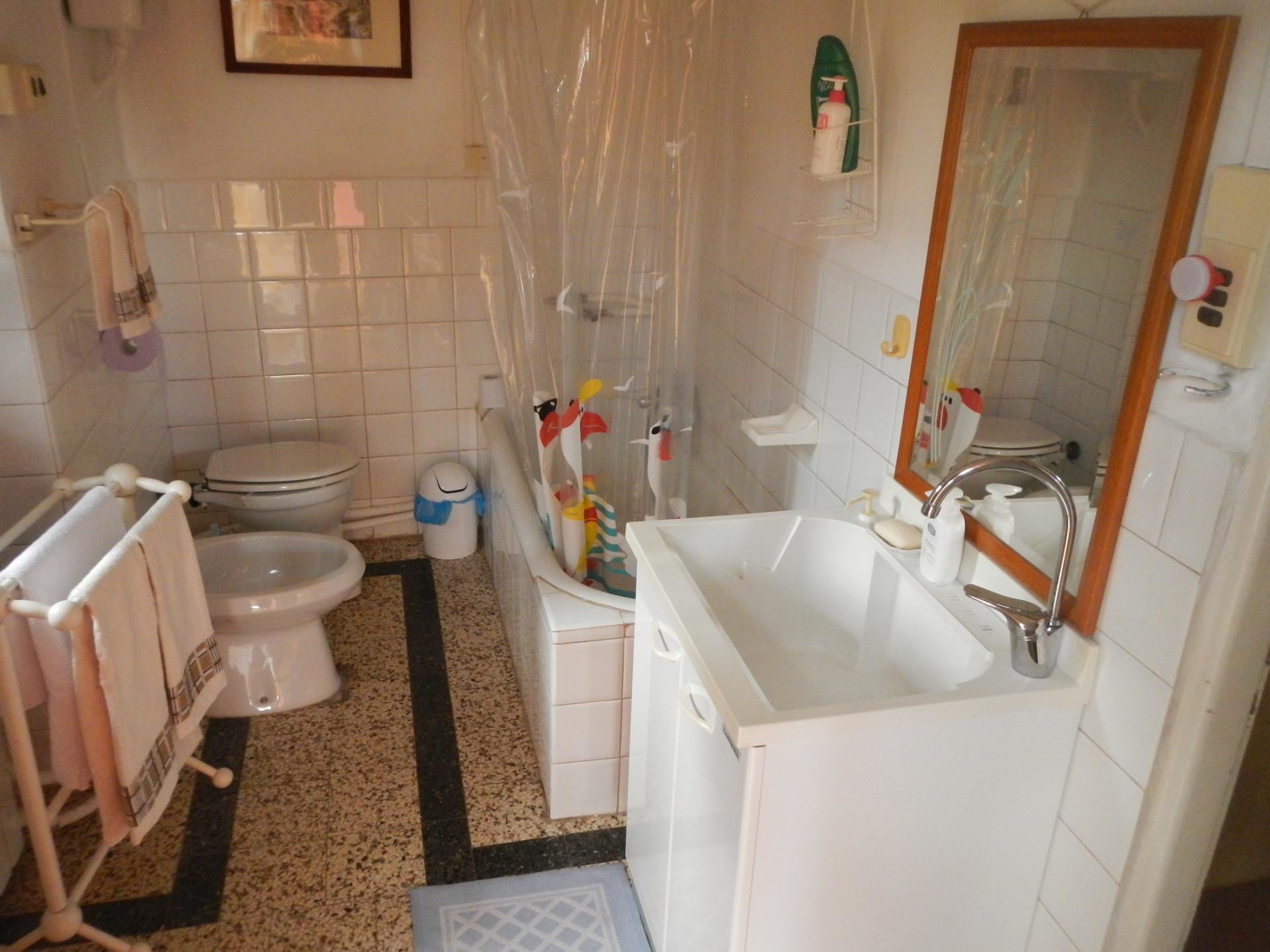 Camere arredate con bagno in comune posti letto a minuti