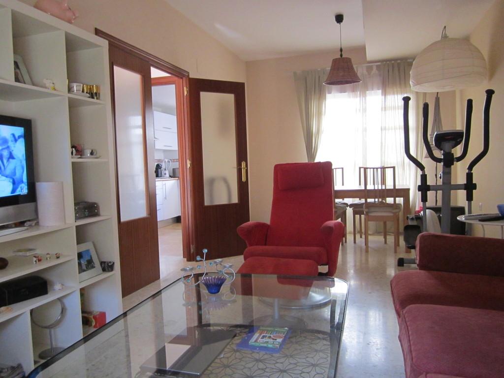 2 habitaciones individuales en una casa nueva 180 200 for Alquiler de casa en pino grande sevilla