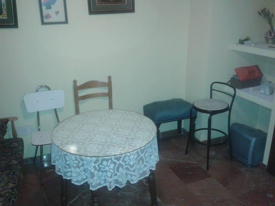 2 habitaciones piso en el centro de ja n alquiler for Alquiler de pisos en jaen