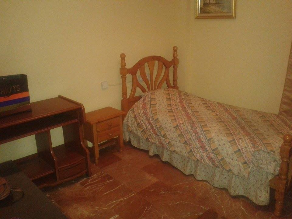2 habitaciones piso en el centro de ja n alquiler for Piso jaen alquiler