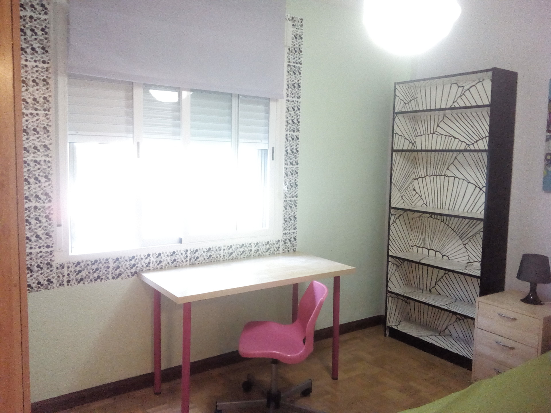 2 rooms in big flat in green neighborhood room for rent for Living room 10m2