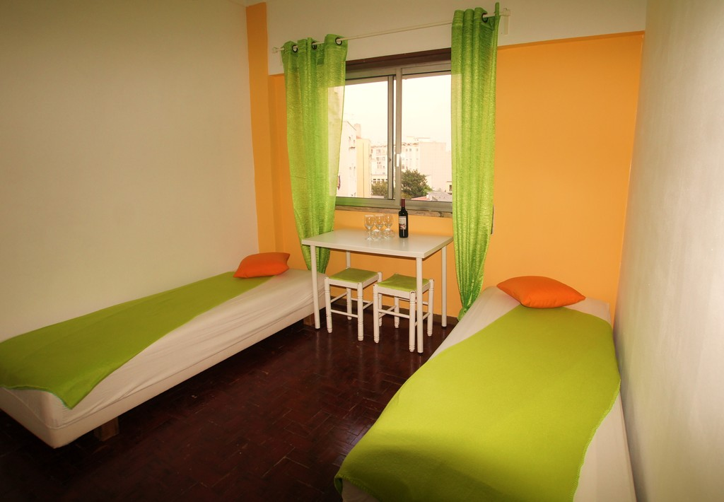2 Double Rooms For Rent University Dorm Lisbon