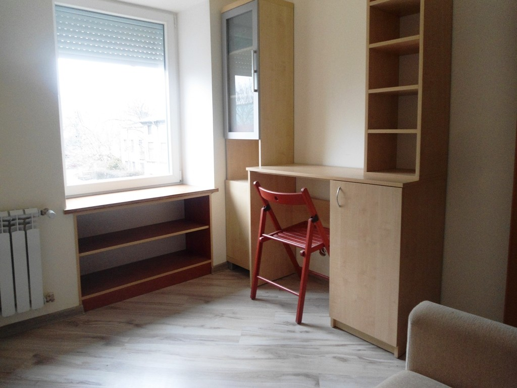 2 separate rooms after renovation flat rent lodz for How to devide a room