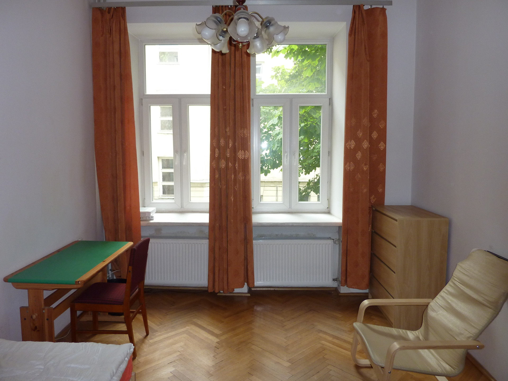 2-spacious-rooms-in-central-warsaw-1d1332a30fc38205d6234e3759739ad3