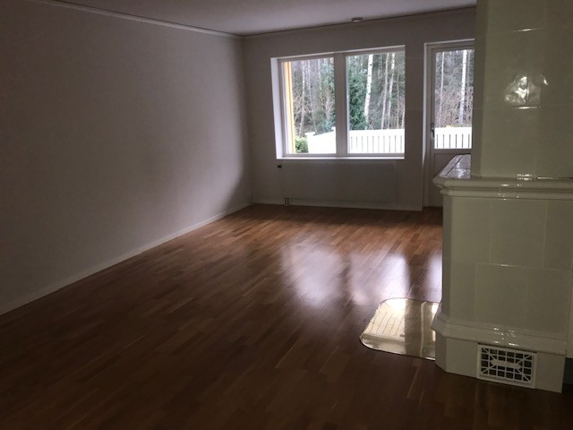 20m2 Large and sunny room with a fireplace