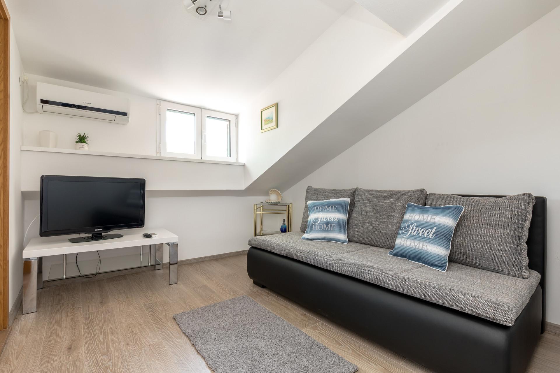 Apartment Center Split | Flat rent Split