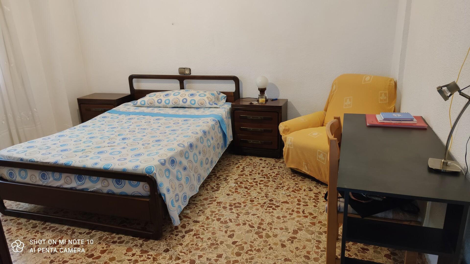 Habitación,cómoda y acogedora muy cerca de todo