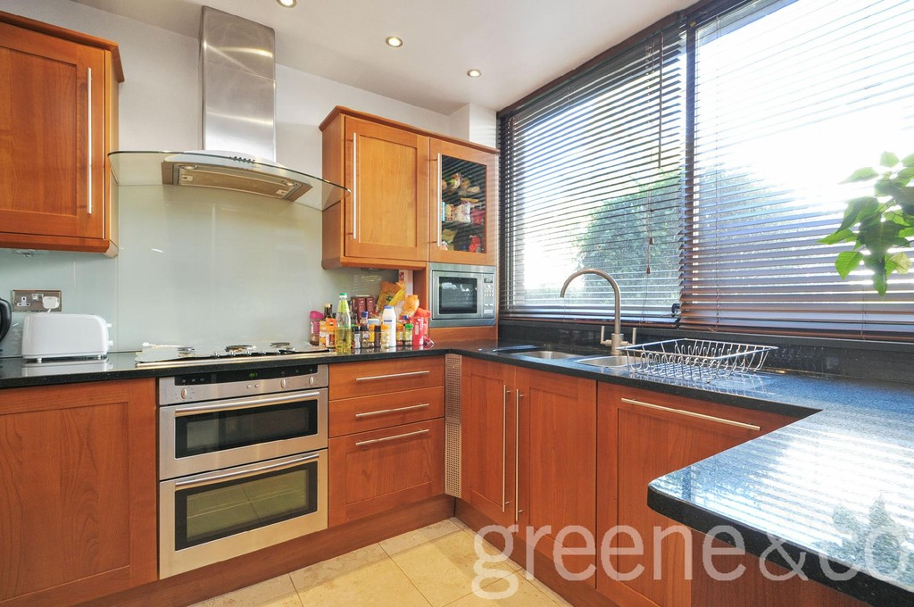 3 Bedroom modern house to rent in Abbey Road, West Hampstead, London ...