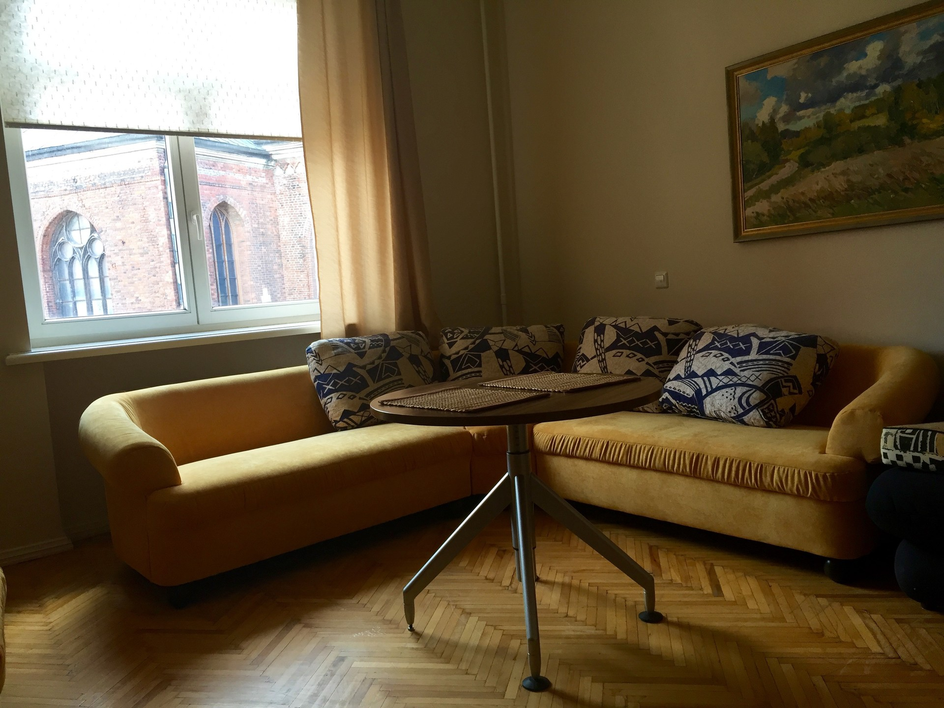 3-room-apartment-in-riga-old-town-529d15a7bf8313217bac2a2045e3f9aa