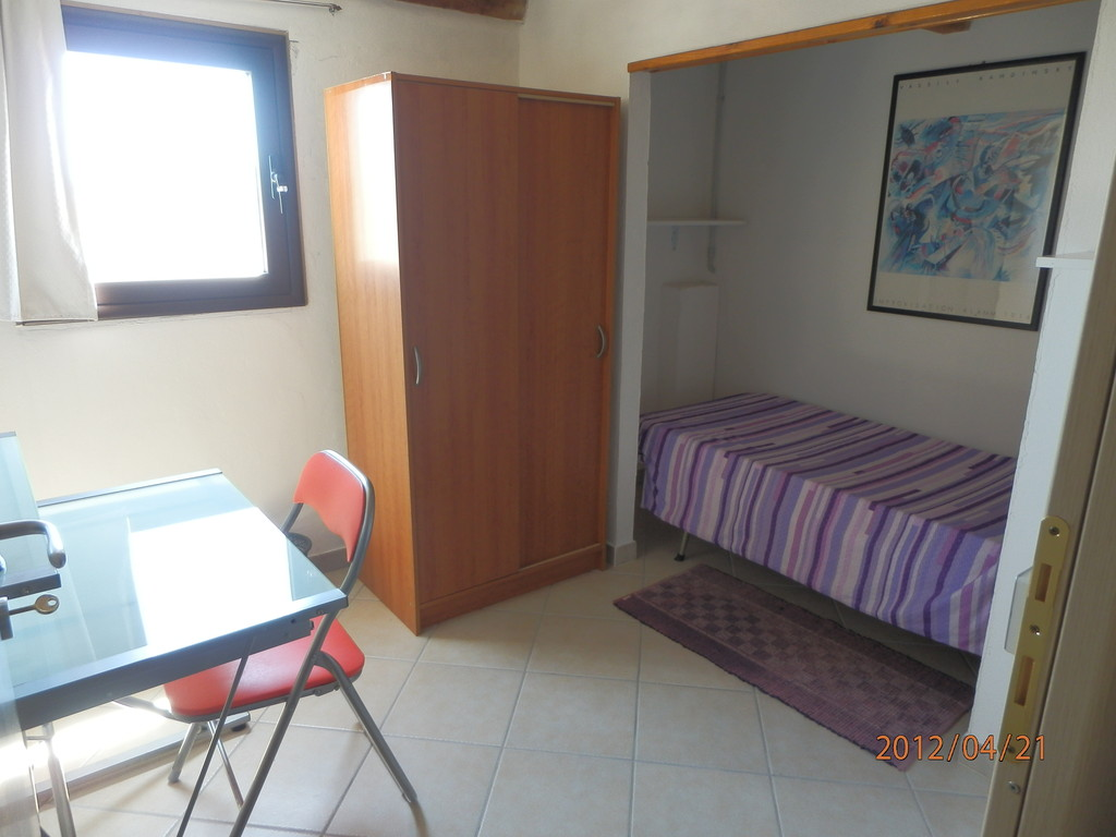 3 rooms for rent in nice flat in Cagliari | Room for rent Cagliari