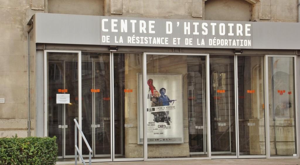 30/11/12: Centro de História da Resistência e Deportação e o Mercado de Natal de Lyon