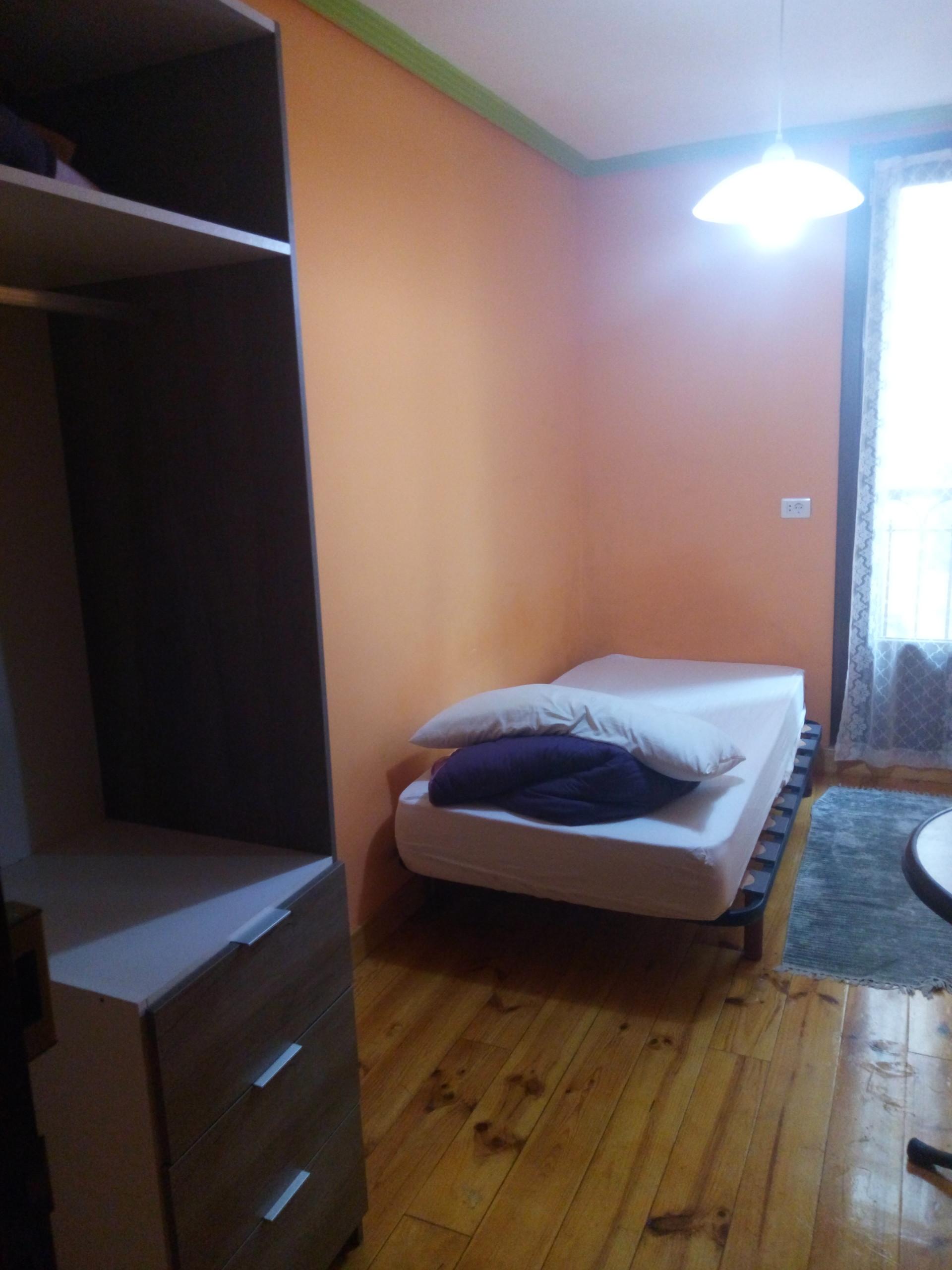 Dormitorio en piso amplio en el centro de san seba