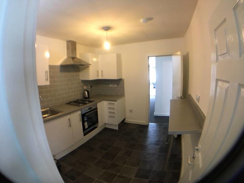 5 Bed House Share, Low Deposit- All Bills Included!!