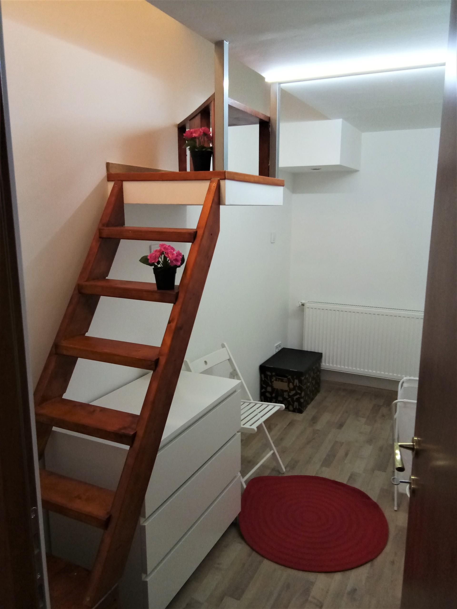5 bedrooms ap in kozraktar utca *tram 4 and 6