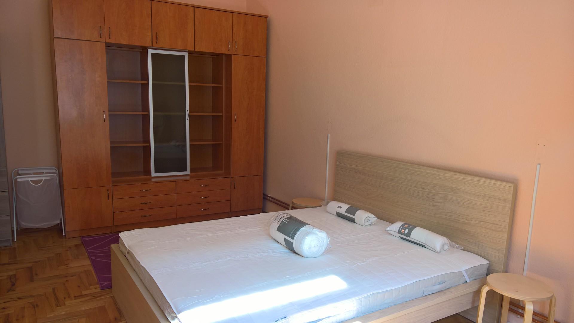 ... 5 BEDROOMS FLAT FOR RENT   BUDAPEST VII District   NYAR Utca 5 ...