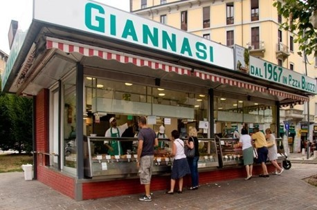 5 places to grab Street food in Milano