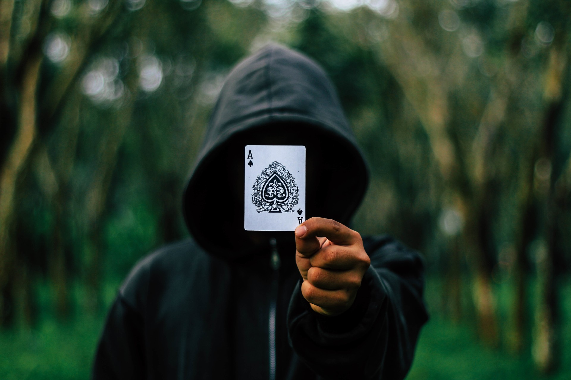 5 Simple Card Tricks to Impress Your Friends
