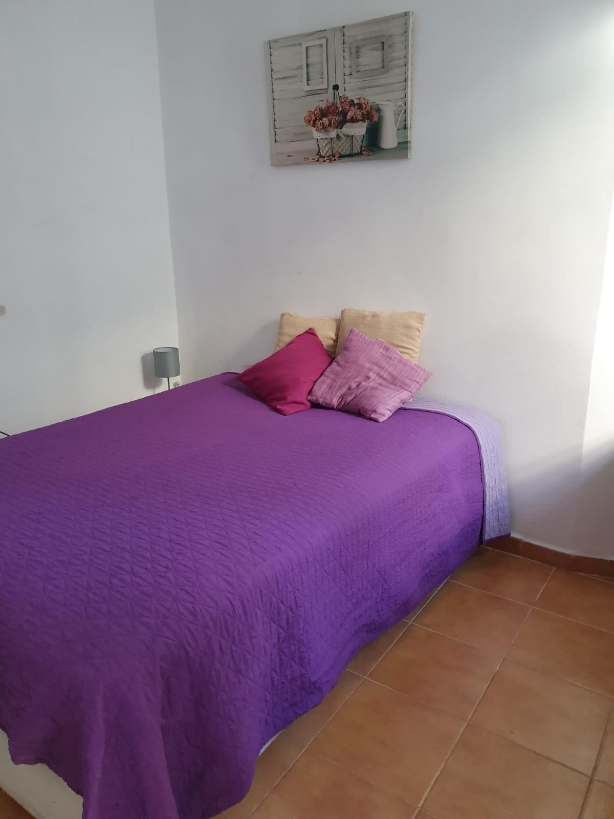 habitación en  pleno centro de Cádiz, con cama gr