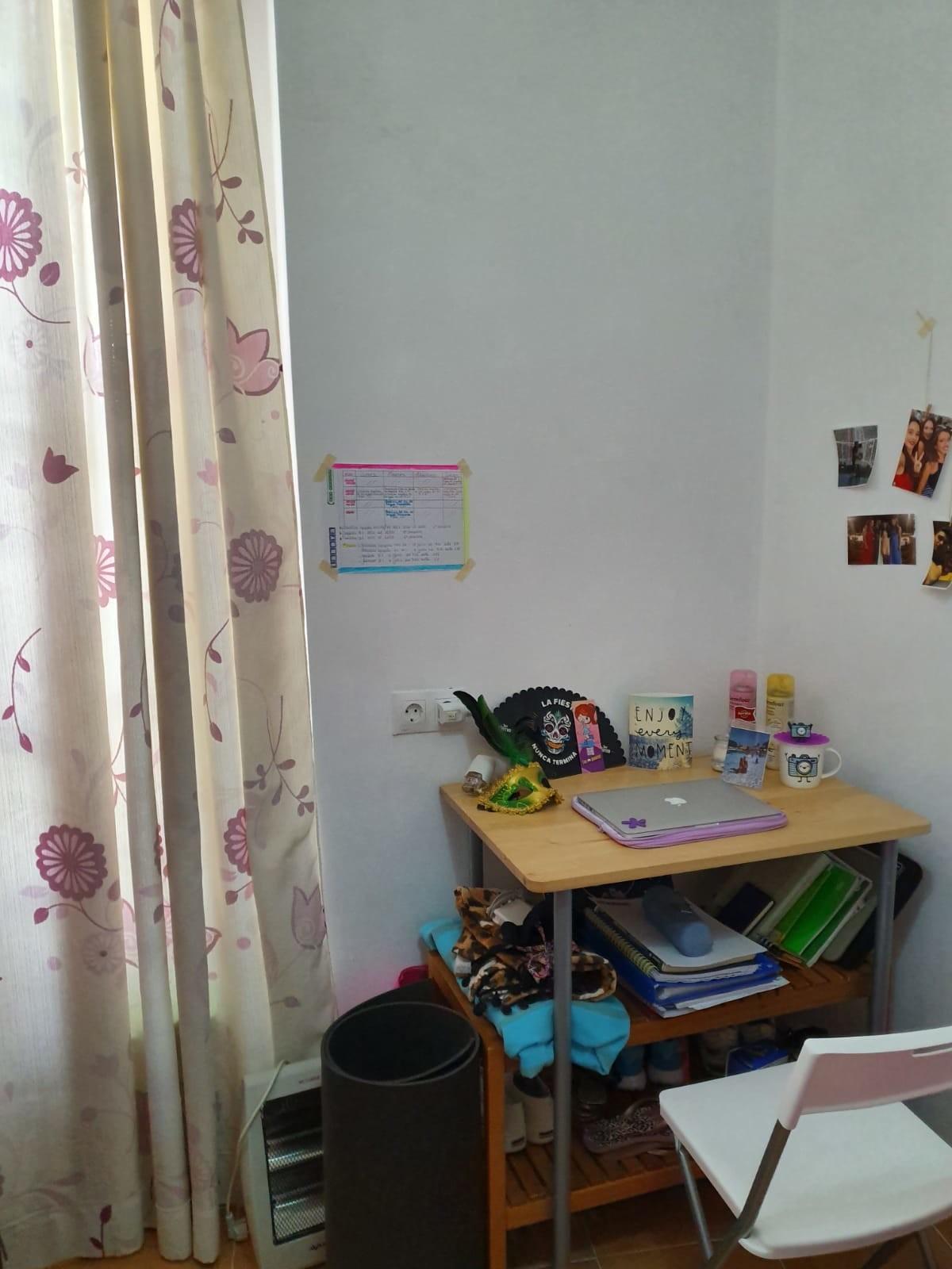 habitación en pleno centro de Cádiz, para estudian