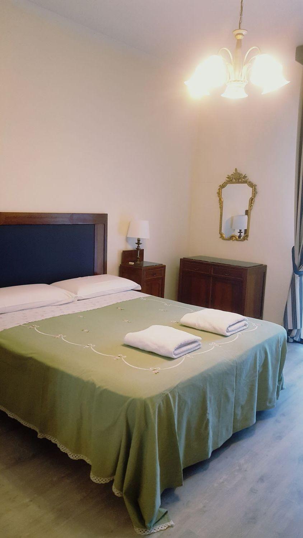 Camera Matrimoniale Per Uso Singolo.Grande E Luminosa Camera Matrimoniale Per Uso Singolo Zona Ben