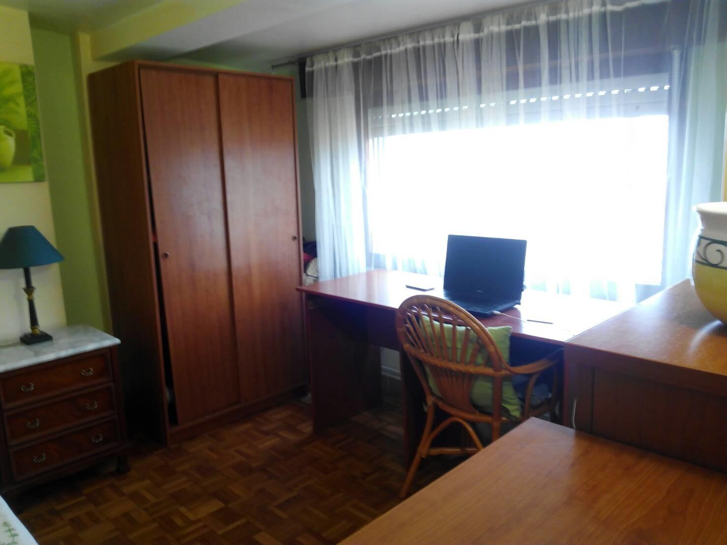 Habitación en la segunda planta en piso con vistas