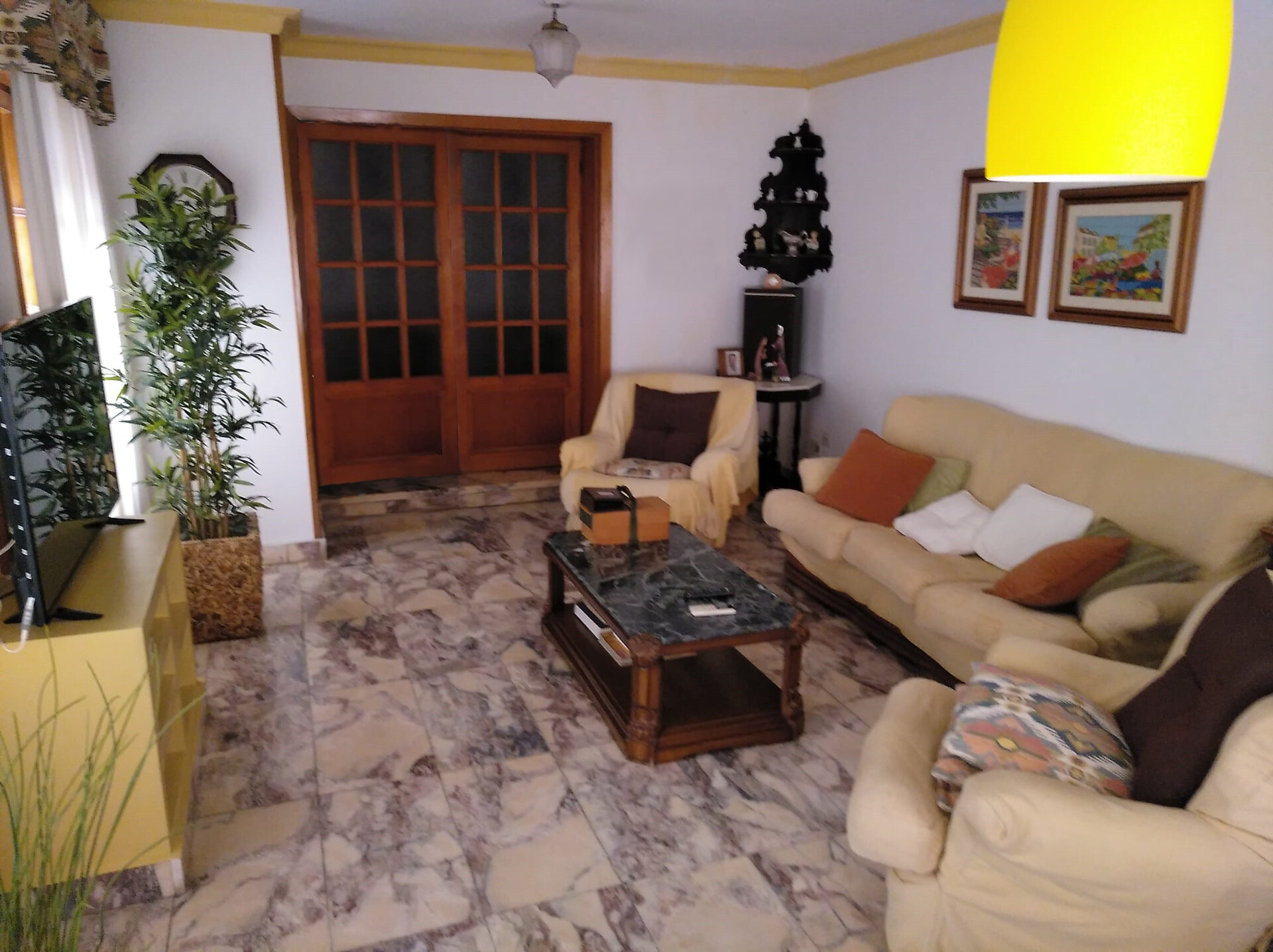 Large terraced house with 5 rooms available for in