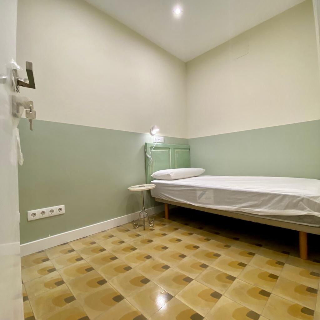 Habitación individual con baño privado en céntrico