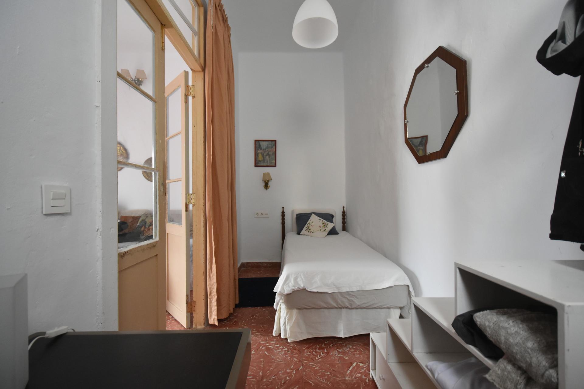 Habitación en Vegueta zona antigua en casa compart