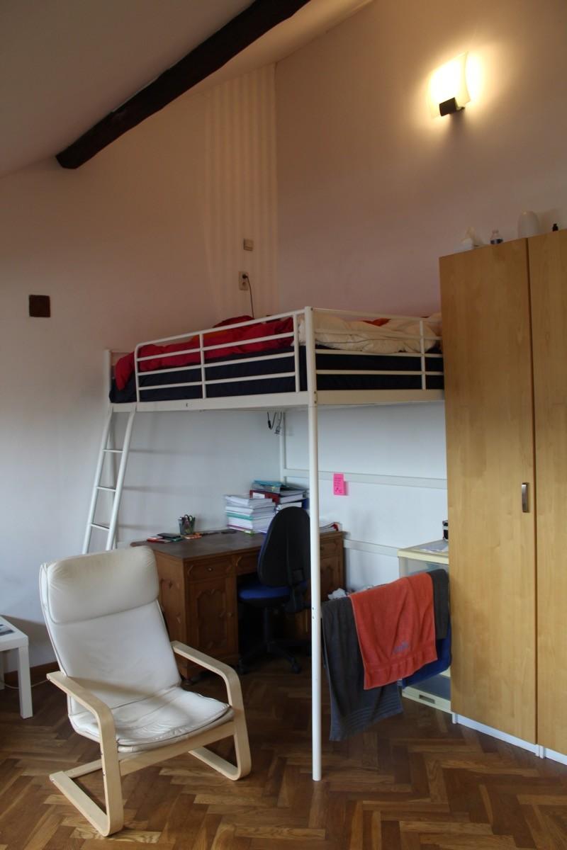 Très grande chambre avec lit en mezzanine