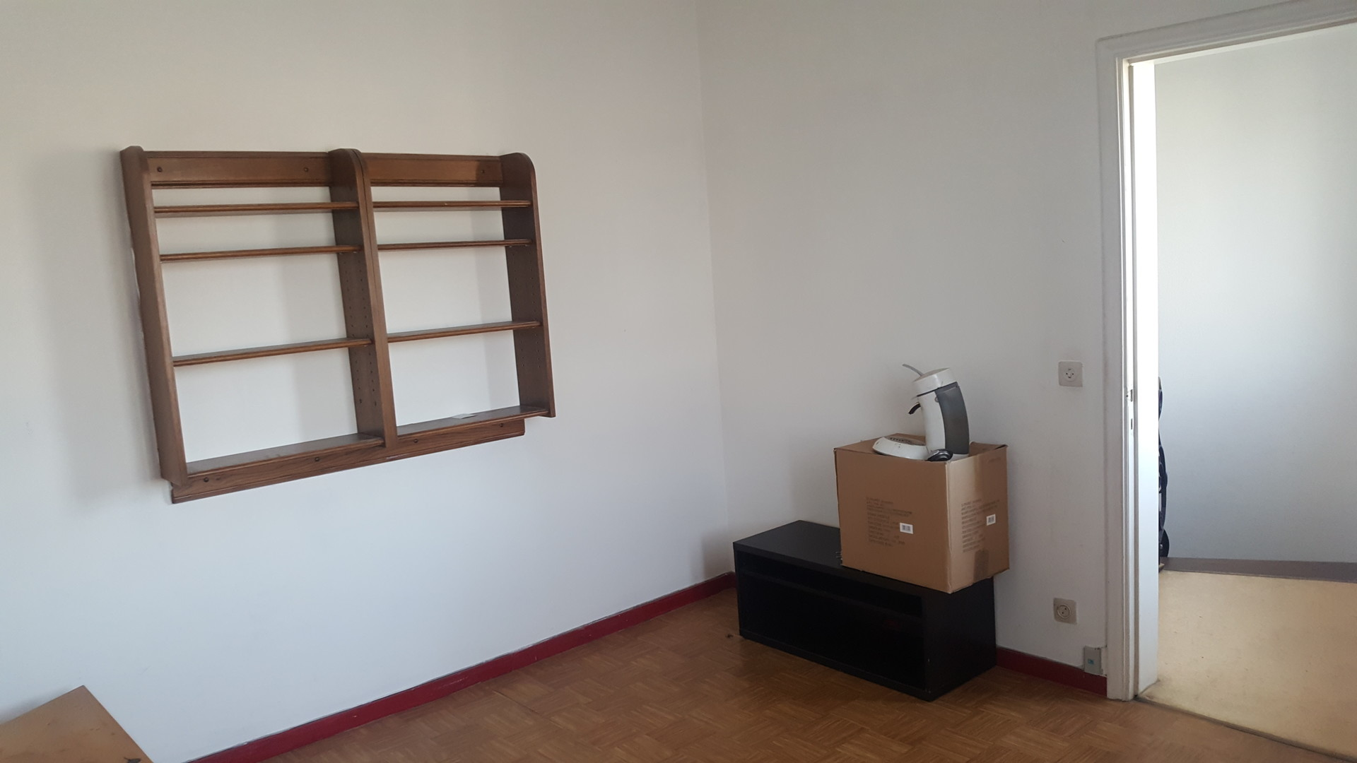 Combien De Wc Dans Une Maison studio spacieux 3 pièces + wc dans une maison confortable. 500€/m.