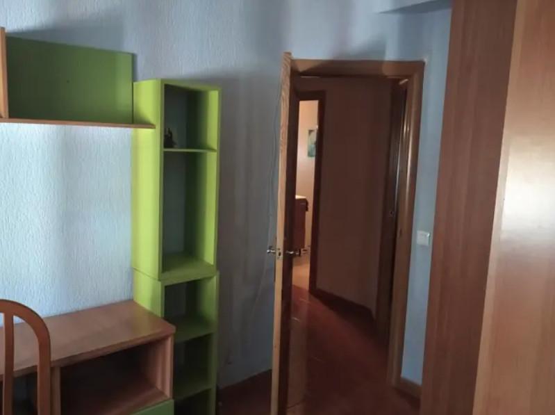 Habitación en piso totalmente reformado de Huelva,