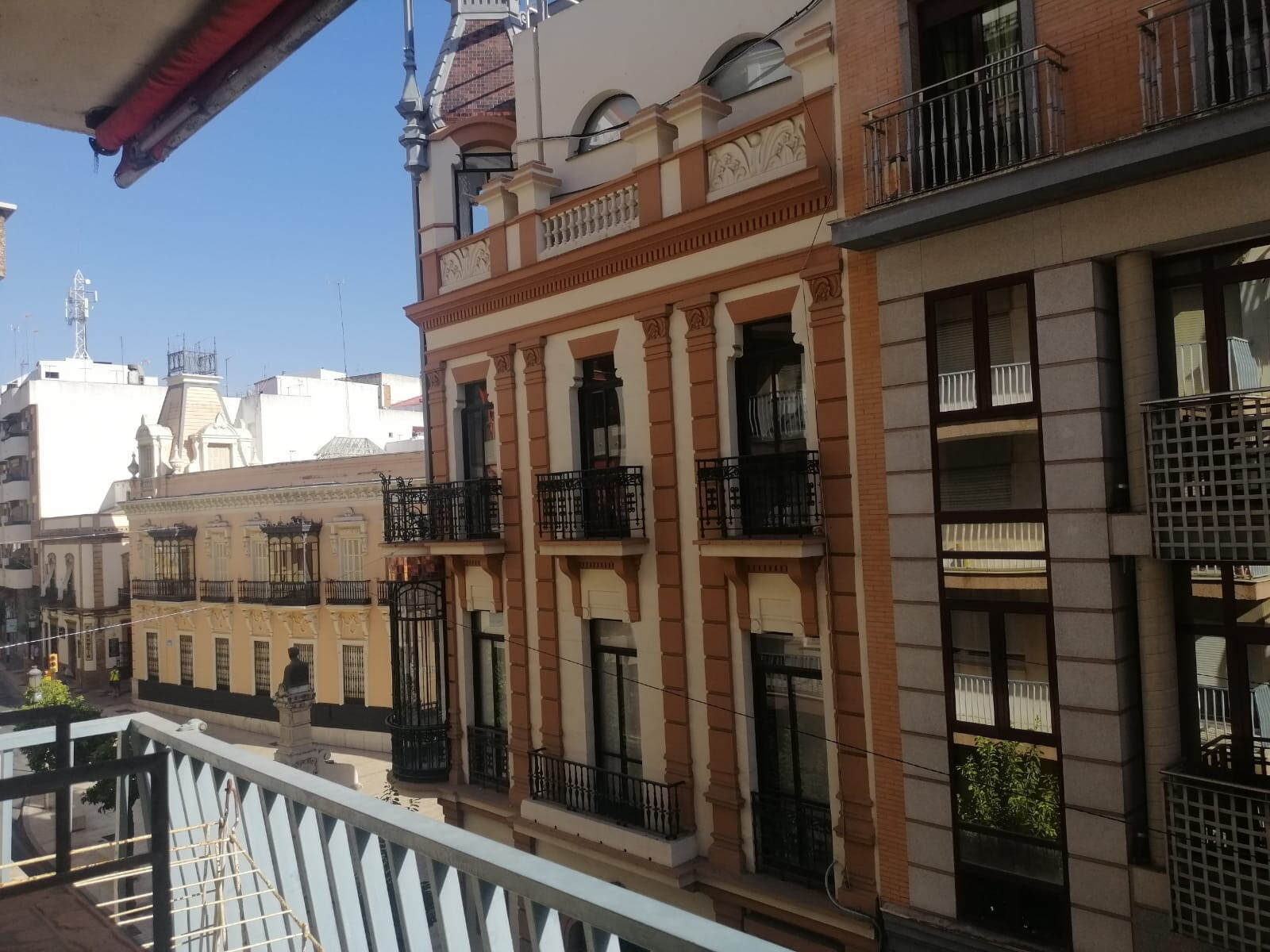 Room in an apartment in the heart of Huelva
