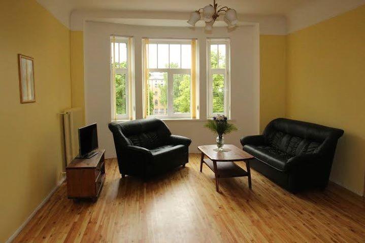 a-beautiful-spacious-3-bedroom-apartment-centre-riga-5ba88a79a1ca4a081a792e9945c15b77