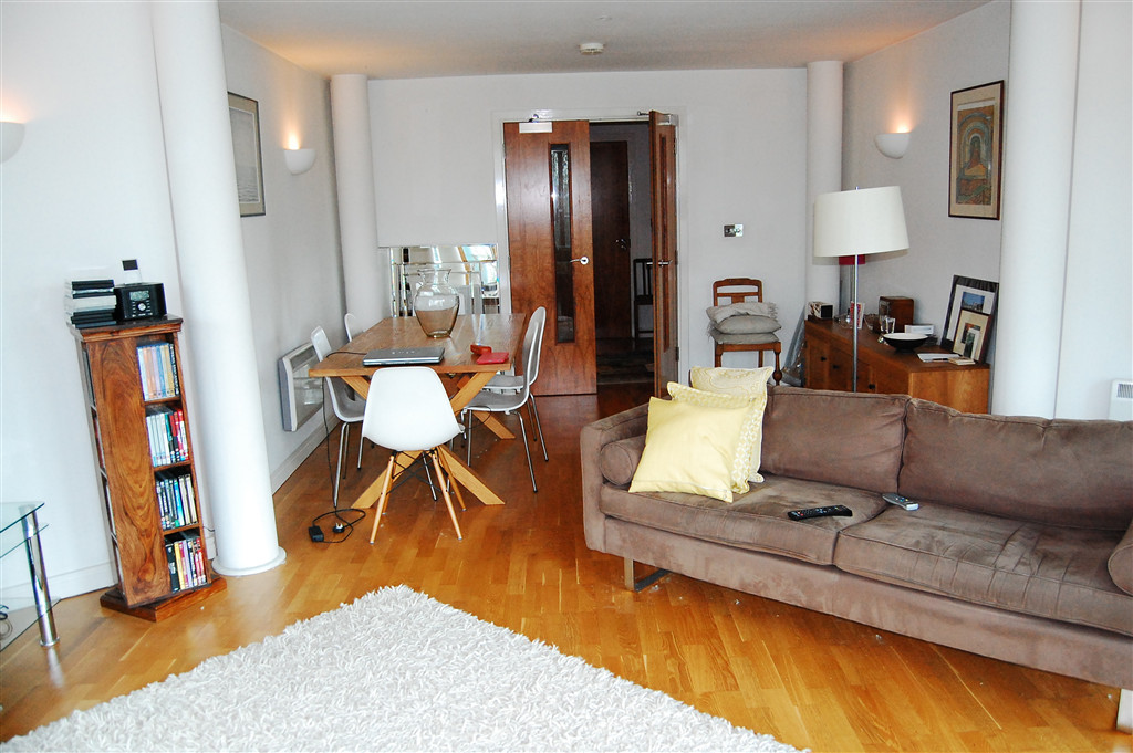 ... A CHARMING 1 BEDROOM FLAT TO RENT IN CENTRAL BRIGHTON