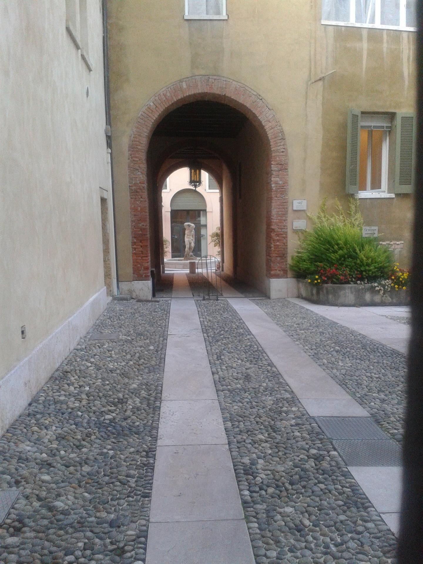 a-passeggio-citta-verona-romanticismo-st