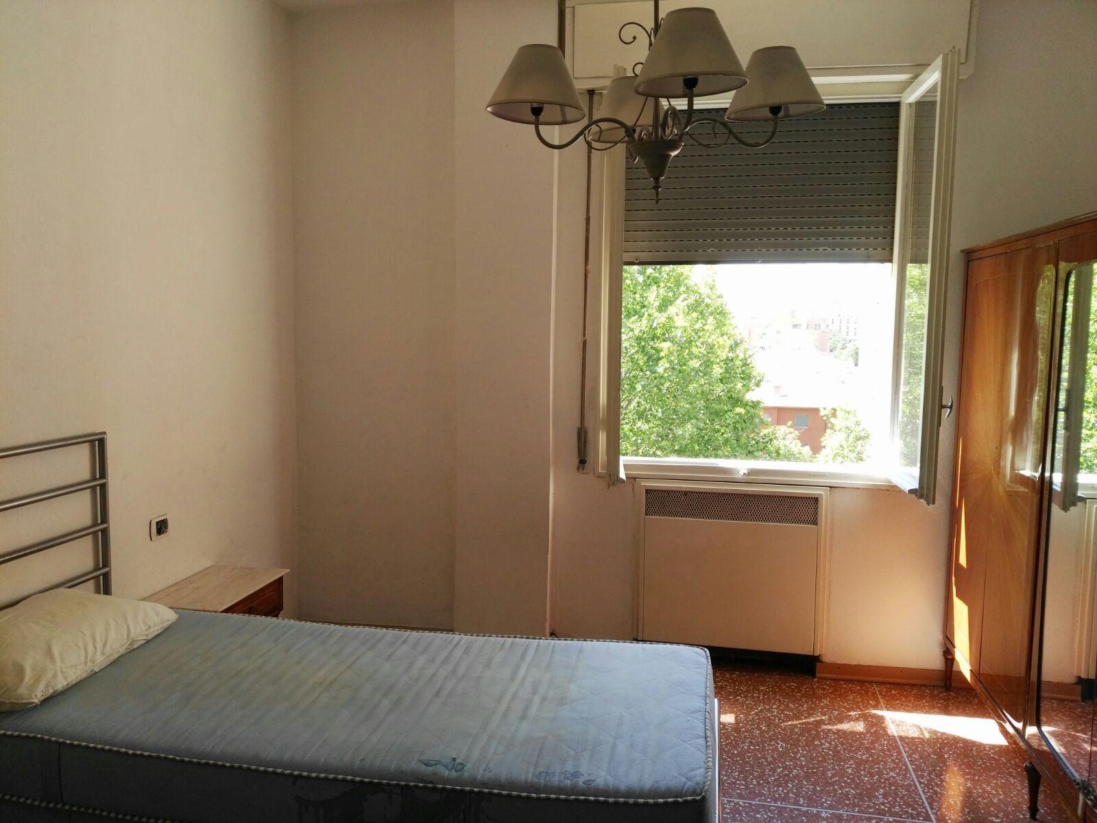 A due passi dal centro di bologna e dalla fiera stanza for Affitto stanza bologna