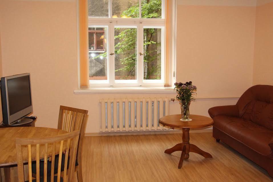 a-quiet-lovely-2-bedroom-apartment-centre-riga-ff8fd086fdd07b0dae0b6108843010c7