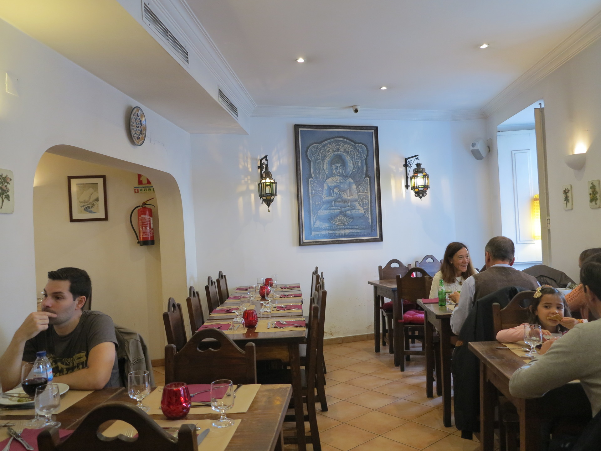 a-vegan-restaurant-everyone-bea440fca8e4