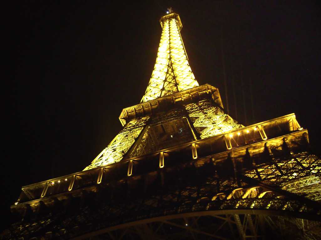 A winter's night at the Eiffel Tower