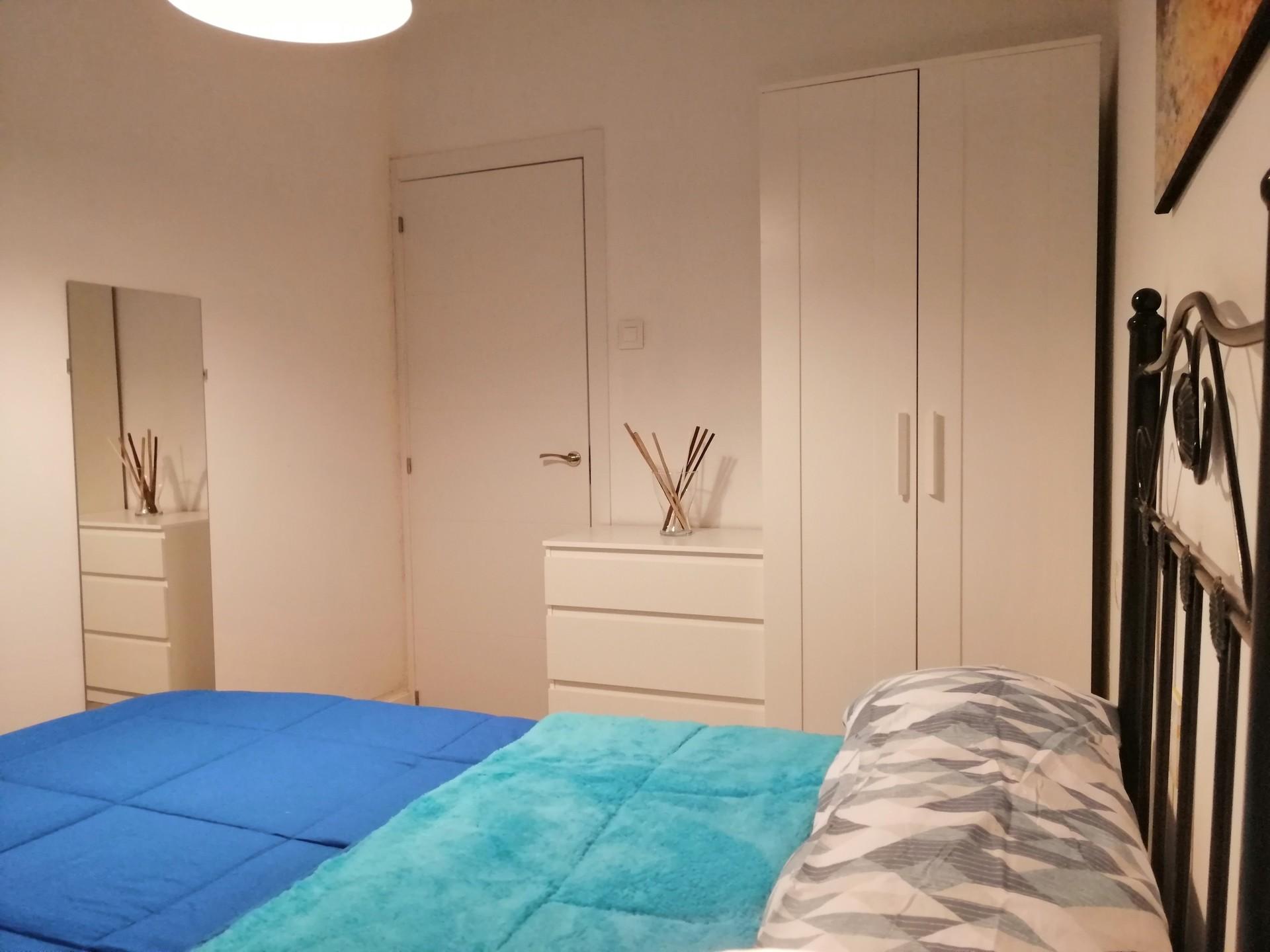 Fantástica habitación con todas la comodidades y m