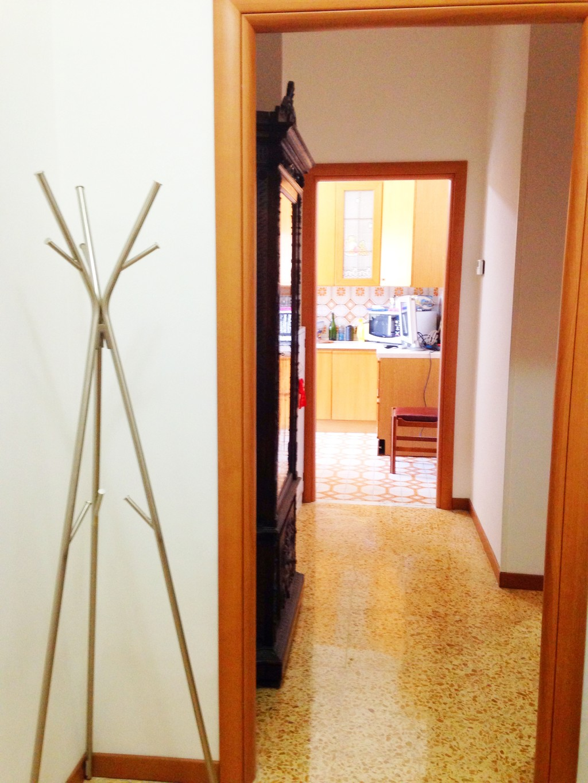 Affitto stanza studenti erasmus per uni tor vergata for Affitto stanza ufficio roma tuscolana