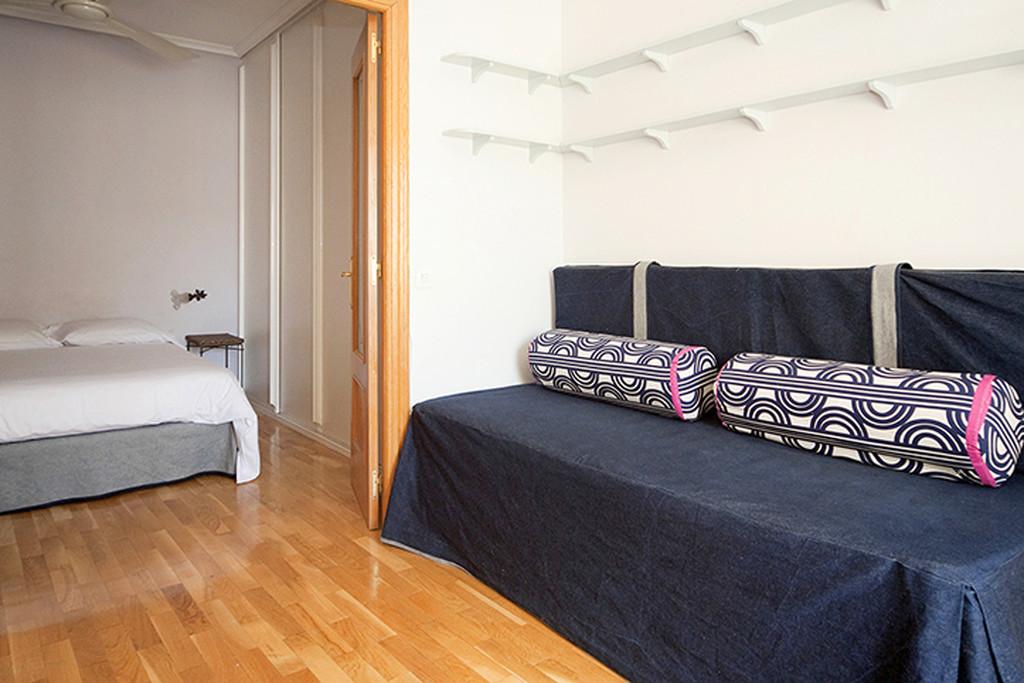 Agradable apartamento en malasa a alquiler pisos madrid for Alquiler pisos malasana madrid