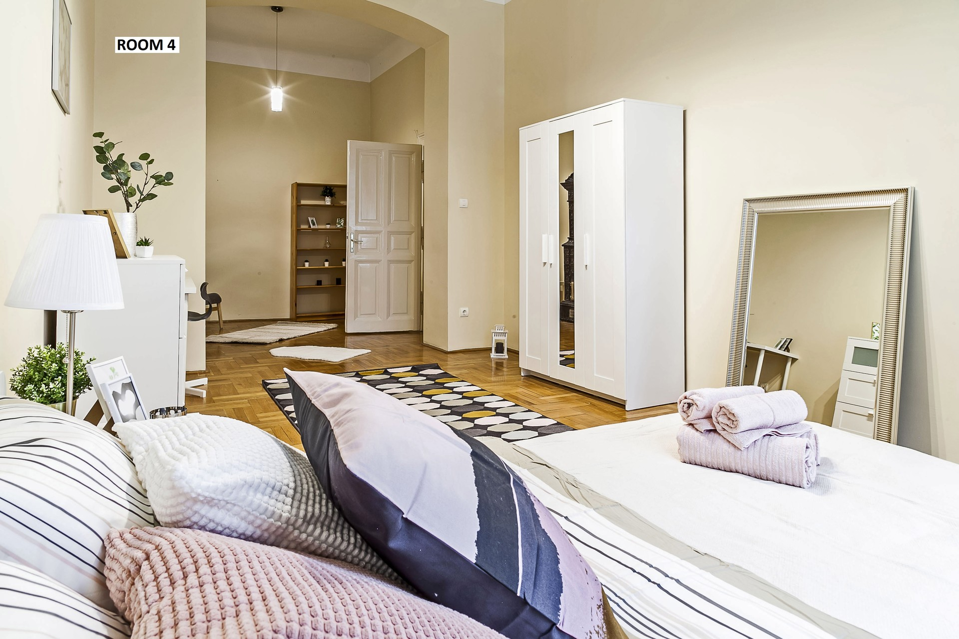 ALL INCLUSIVE 330 EUR ROOM FOR SUMMER at Astoria, close to ELTE,