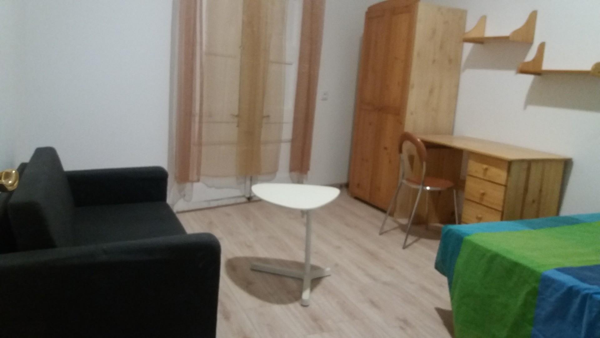 alquiler-3-habitaciones-piso-centrico-reformado-recientemente-82e9b2e32a6fa2f4d041887e72fe33a1