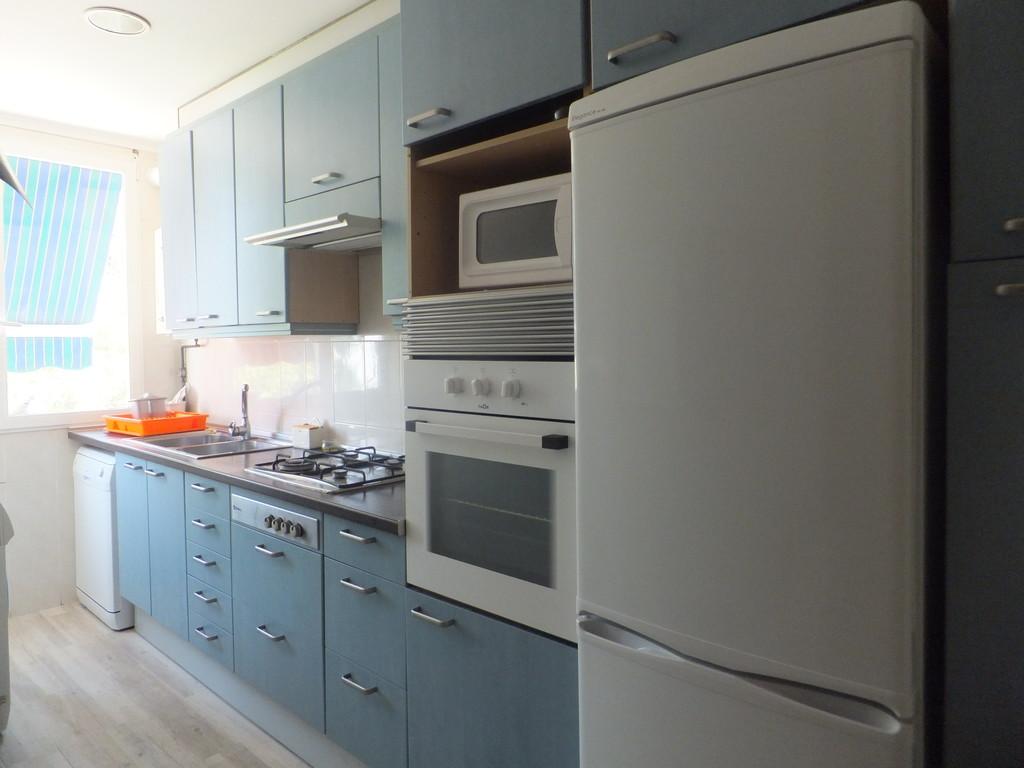 Alquiler De 3 Habitaciones Piso Totalmente Reformado Muebles  # Muebles Reformados