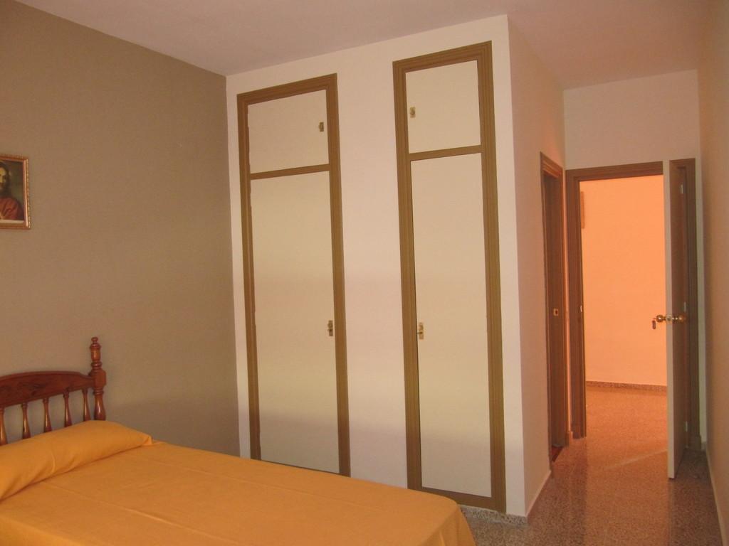 Alquiler de habitaci n individual con ba o parque alcosa for Habitacion zaragoza alquiler