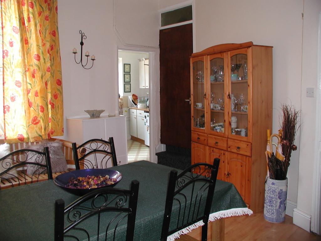 Alquiler de habitaciones grandes en casa compartida for Alquiler de habitaciones para 3 personas
