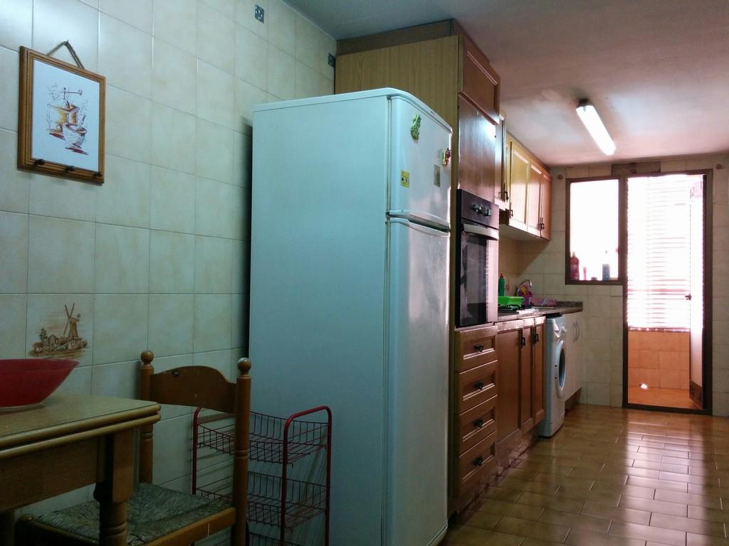 Alquiler de tres habitaciones en piso de blasco iba ez for Alquiler de habitaciones para 3 personas