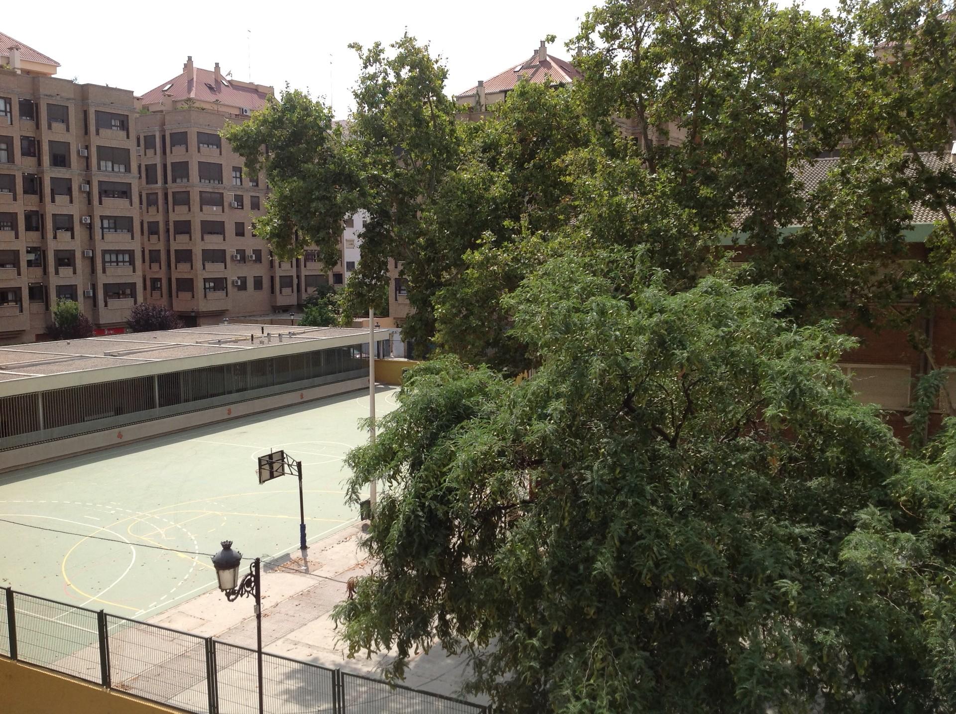 Alquiler piso 3 habitaciones en valencia lgiros zona for Alquiler piso algiros valencia
